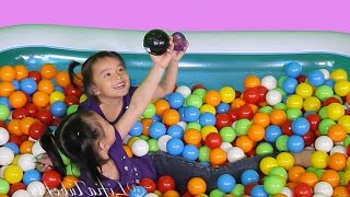 getlinkyoutube.com-1500 Jumping Ball Pit Show - Jumping Youtube Play Button @LifiaTubeHD