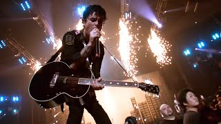 getlinkyoutube.com-Green Day - 21 Guns [Live]
