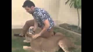 getlinkyoutube.com-هجوم اسد على عبدالرحمن الخضيري😂😂