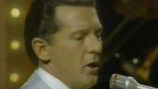 getlinkyoutube.com-Jerry Lee Lewis -  Who's Gonna Play This Old Piano ( Pop Goes To Country )