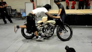 getlinkyoutube.com-New Order Chopper Show 4th DuasCarasCycles Twin Cab Shovelhead 1960cc Burnout