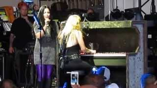 getlinkyoutube.com-a BEAUTIFUL duet with Lzzy Hale and Amy Lee!!