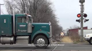 getlinkyoutube.com-Santa Train vs. idiots ignoring crossing signal - Canton, IL 12/8/12