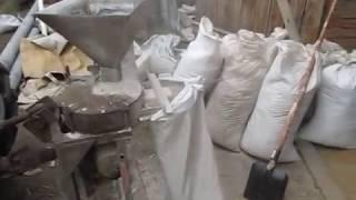 getlinkyoutube.com-Самодельная мельница - размол зерна.