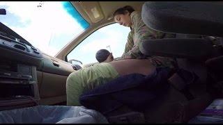 getlinkyoutube.com-Не доехали: Муж снял на видео, как его жена родила ребенка прямо в машине по пути в больницу