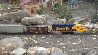 getlinkyoutube.com-Christmas trains for Children 🎅 Santa Fe Railroad and Thomas engine 🎄 videos