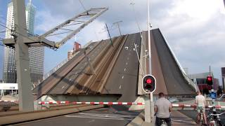 getlinkyoutube.com-Rotterdam ♥ 2014 - Erasmus Bridge (Opening and Closing)