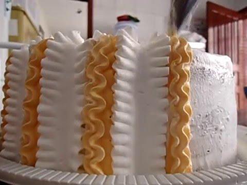 1ª Parte da decoração do bolo do Dia das Crianças
