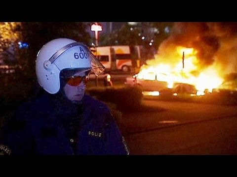 Riots prompt focus on Sweden's poor immigrant suburbs