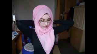 getlinkyoutube.com-Hijab Tutorial l Fold forward