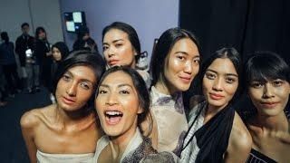 getlinkyoutube.com-JAKARTA FASHION WEEK 2017 - DAY 6 | HIGHLIGHTS