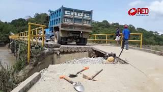 Lluvias dañan puente de acceso a Playa Chica en Jalapa de Díaz