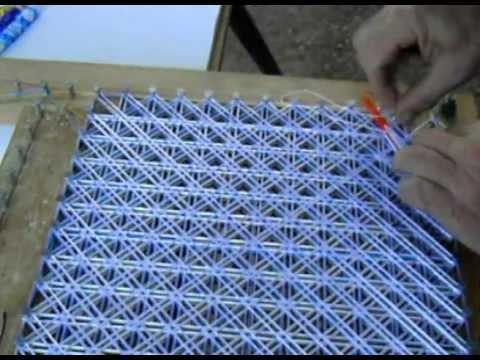 Cómo hacer tapetes de hilo de seda, Pompon (5/9), Cosido de hilos