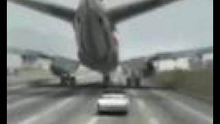 getlinkyoutube.com-aterrizaje de avion en carretera