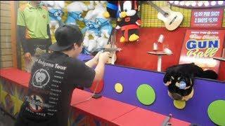 getlinkyoutube.com-Gun Ball Arcade Game Win! Another Huge Purple Evil Despicable Me 2 Minion!