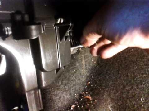 Где в Lancia Дедра находится воздушный фильтр