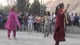 getlinkyoutube.com-Pamiri - Chinese pamiri girl dancing at Gulmit Gojal in a wedding.flv