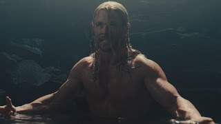 EXCLUSIVE: Chris Hemsworth Is Shirtless for Two Minutes in Deleted 'Avengers: Age of Ultron' Scene