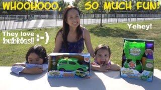 getlinkyoutube.com-Fun Activity for Kids: Bubble Playtime with Hulyan & Maya! Gazillion Bubble Machines