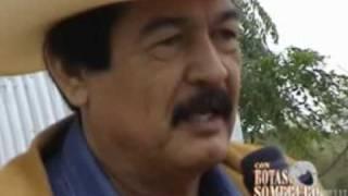getlinkyoutube.com-Beto Quintanilla Con Botas y Sombrero