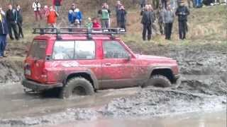 getlinkyoutube.com-Off road Tisovec 2012 - chrochtenie v bahne_[1].mp4