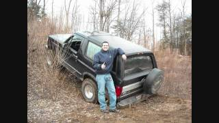 getlinkyoutube.com-Ford Bronco  & Toyota Tacoma wheelin off-road Part 1