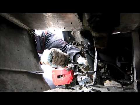 Где у Alfa Romeo 166 подшипник передней ступицы
