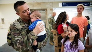getlinkyoutube.com-Soldier Meets Baby for First Time Compilation 2013