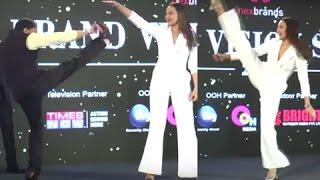 getlinkyoutube.com-VIDEO Sonakshi Sinha MARTIAL ARTS Stunt on Stage In PUBLIC