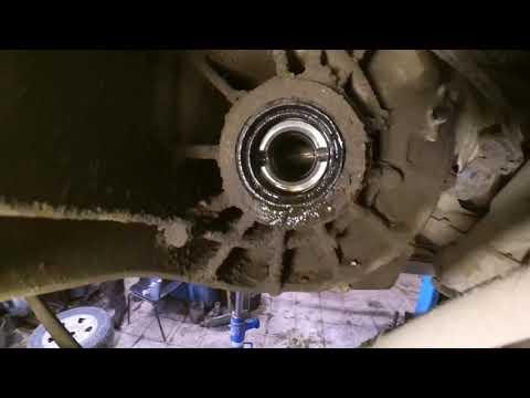 Замена левого сальника коробки передач Рено Дастер 4Х4