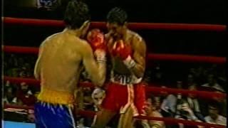 getlinkyoutube.com-JULIO CESAR CHAVEZ VS JUAN LAPORTE 4