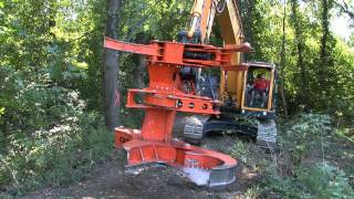 getlinkyoutube.com-WESTTECH Woodcracker C550 am Bagger Hyundai 235