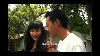 getlinkyoutube.com-Video Mesum - Ngajarin anak gadis pake Kondom