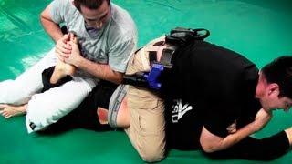 getlinkyoutube.com-2 Cops vs. 1 MMA Fighter