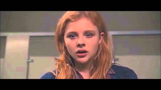 "getlinkyoutube.com-""Carrie"" (2013) CLIP: Carrie Smashes a Mirror [Chloe Grace Moretz]"
