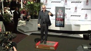 getlinkyoutube.com-Vin Diesel rinde homenaje a Paul Walker