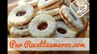 getlinkyoutube.com-Biscuits Sablés à la Confiture - Shortbread Biscuits with Jam -حلوى الصابلي بمربى