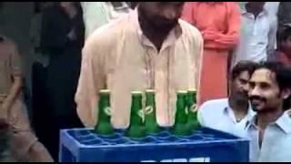 getlinkyoutube.com-Talent of pakistan 5 bottle in 1 minute