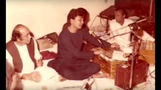 Asif Mehdi Hassan & Tari Khan - Yeh Mashgala Hai Kisi Ka