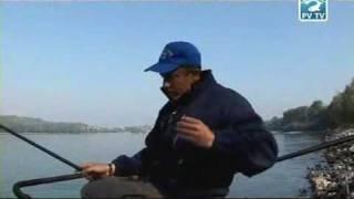 getlinkyoutube.com-Pescuitul cu pluta pe Dunare cu viermisori