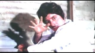Amazing Fight Scene - Raaj Kumar & Ranjeet @ Galiyon Kaa Badshah - Mithun, Raaj Kumar, Hema Malini