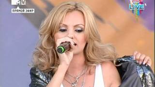 getlinkyoutube.com-Alexandra Stan - Get Back (ASAP) (Europa Plus Live 2011)