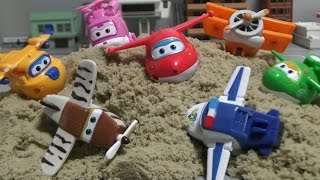 getlinkyoutube.com-슈퍼윙스 장난감 모래놀이 Super Wings Sand Toys