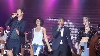 """getlinkyoutube.com-""""Blurred Lines"""" Robin Thicke, Pharrell Williams whit Miley Cyrus & Leah LaBelle. (Live)"""