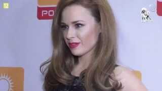 getlinkyoutube.com-Kaja Paschalska w krótkiej sukience i złotych butach