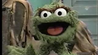 getlinkyoutube.com-Sesame Street - Oscar Needs a Pet Sitter