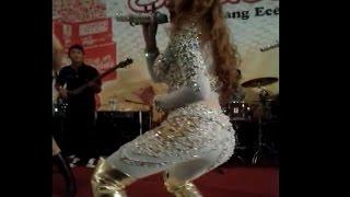 Nita Thalia - ABG Tua [Goyangannya Heboh HOT Banget] [LIVE Konser Cover Fitri Karlina]