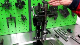 getlinkyoutube.com-Common Rail Injector Clamping Device