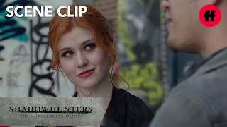 getlinkyoutube.com-Shadowhunters 1x05 Clip: Clary & Alec Meet with Simon  | Tuesdays at 9pm/8c on Freeform!