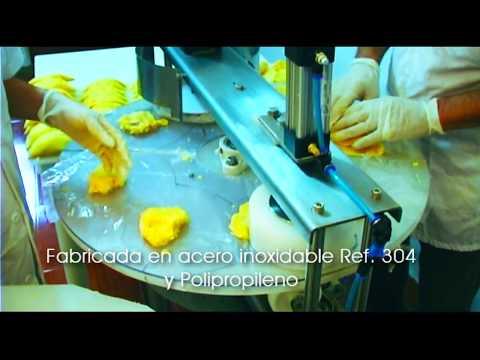 Maquina semiautomática para la fabricación de empanadas